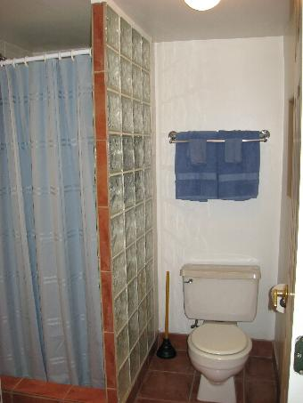 Cabin 2 Bathroom